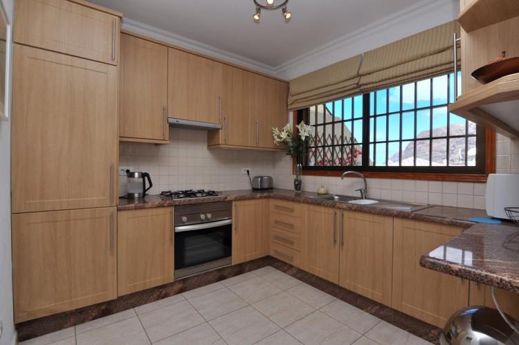 2 Bed  Flat / Apartment for Sale, Los Gigantes, Santiago Del Teide, Tenerife - AZ-1292 18