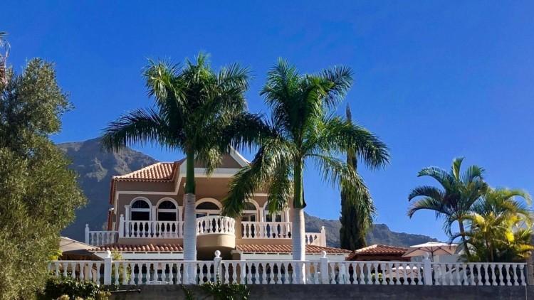 4 Bed  Villa/House for Sale, El Madronal, Adeje, Gran Canaria - MP-V0680-4C 1