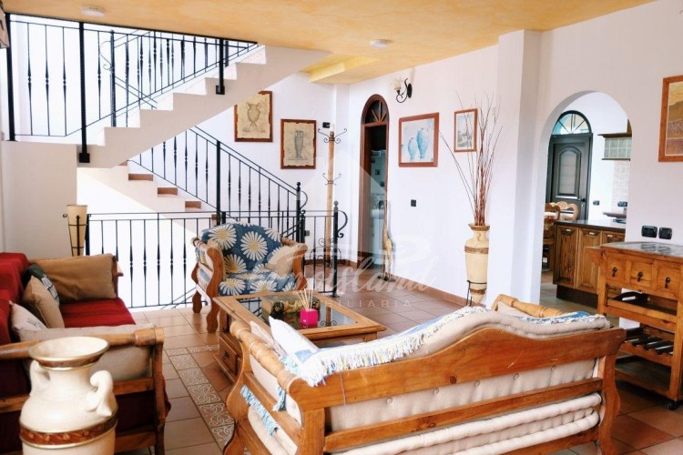 4 Bed  Villa/House for Sale, Arona, Santa Cruz de Tenerife, Tenerife - IN-279 5