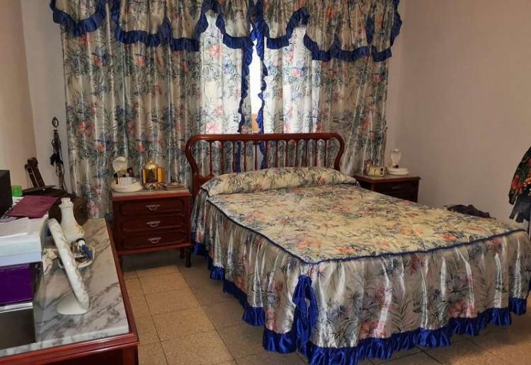3 Bed  Villa/House for Sale, Arrecife, Lanzarote - CU-203631 10
