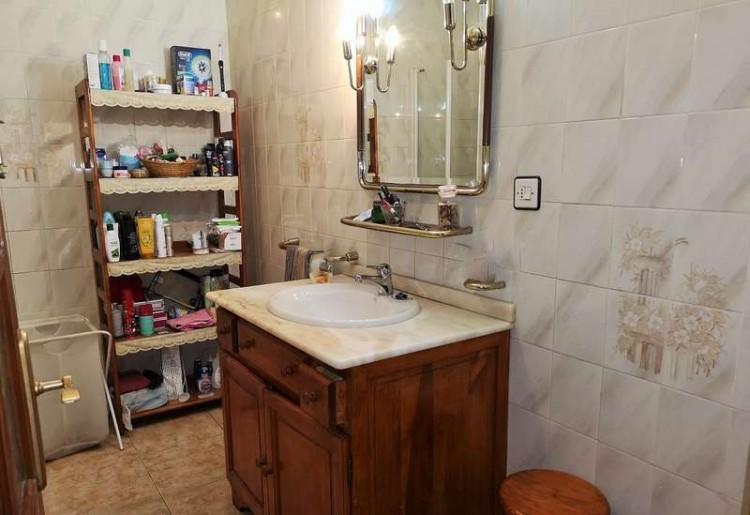 3 Bed  Villa/House for Sale, Arrecife, Lanzarote - CU-203631 11