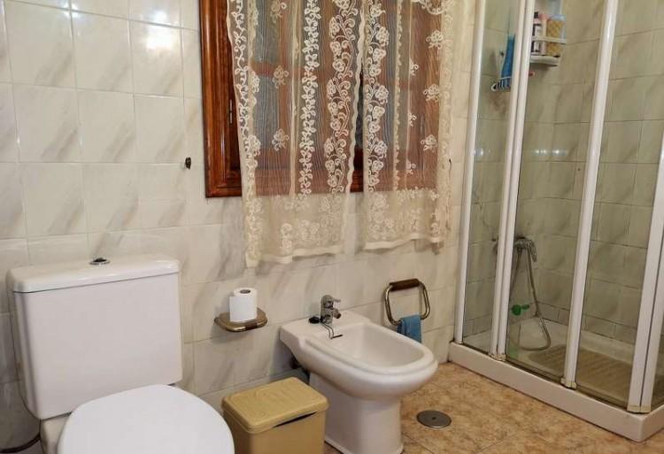 3 Bed  Villa/House for Sale, Arrecife, Lanzarote - CU-203631 12