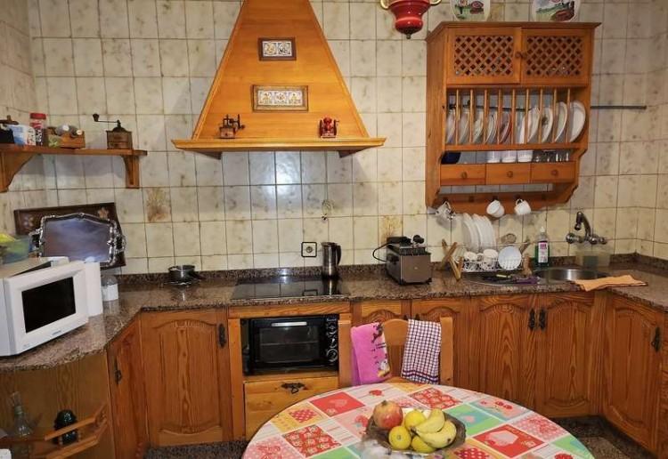 3 Bed  Villa/House for Sale, Arrecife, Lanzarote - CU-203631 16