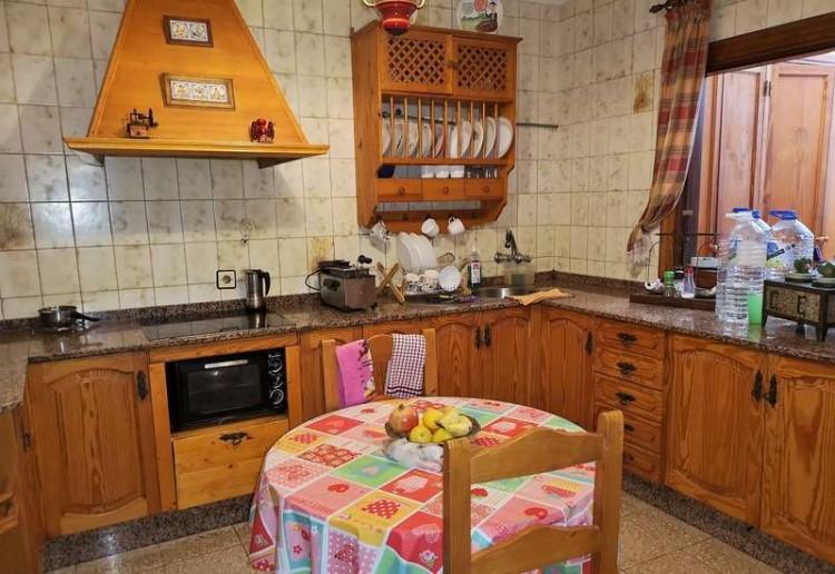 3 Bed  Villa/House for Sale, Arrecife, Lanzarote - CU-203631 3
