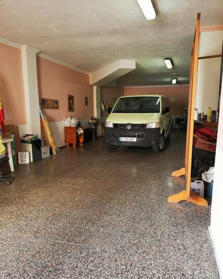 3 Bed  Villa/House for Sale, Arrecife, Lanzarote - CU-203631 4