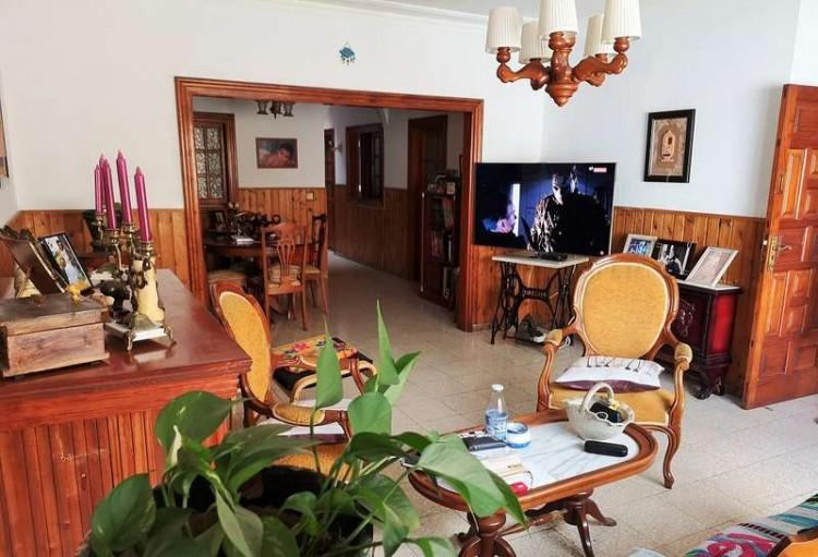 3 Bed  Villa/House for Sale, Arrecife, Lanzarote - CU-203631 6