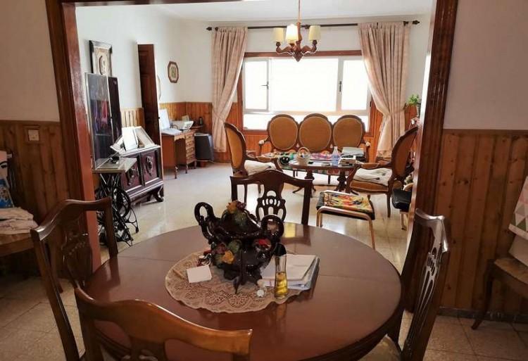 3 Bed  Villa/House for Sale, Arrecife, Lanzarote - CU-203631 8