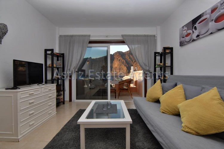 1 Bed  Flat / Apartment for Sale, Los Gigantes, Santiago Del Teide, Tenerife - AZ-1299 2
