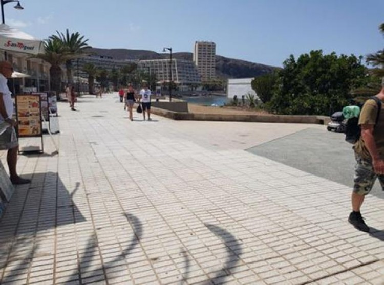 Property for Sale, Los Cristianos, Tenerife - PG-COM569 2