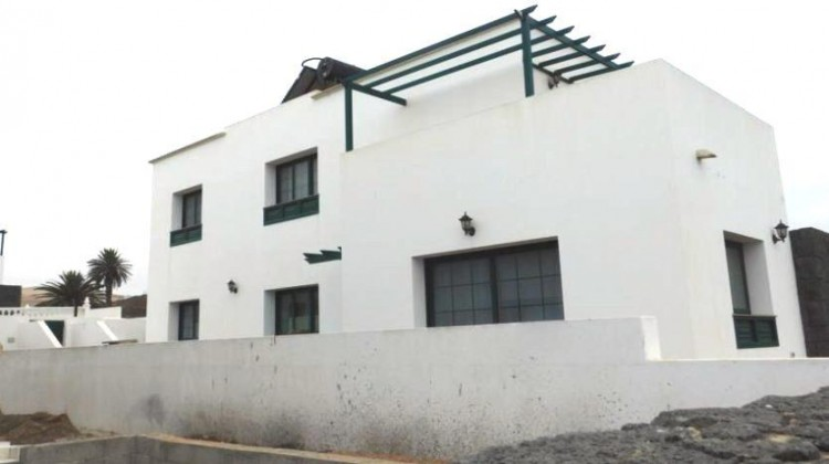 3 Bed  Villa/House for Sale, Uga, Lanzarote - LA-LA767s 1