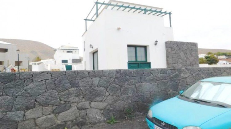3 Bed  Villa/House for Sale, Uga, Lanzarote - LA-LA767s 2
