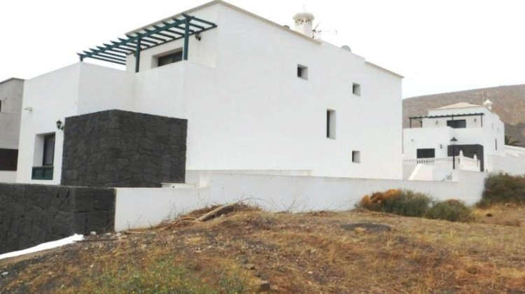 3 Bed  Villa/House for Sale, Uga, Lanzarote - LA-LA767s 8
