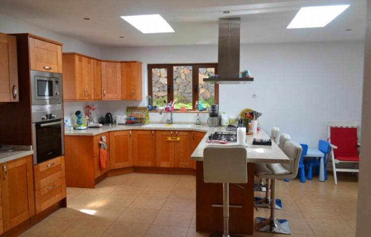 5 Bed  Villa/House for Sale, Tias, Lanzarote - LA-LA673s 3