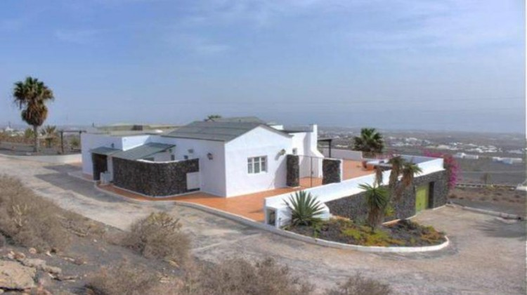 6 Bed  Villa/House for Sale, La Asomada, Fuerteventura - LA-LA756s 1