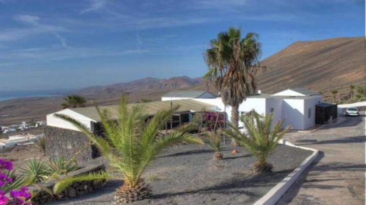 6 Bed  Villa/House for Sale, La Asomada, Fuerteventura - LA-LA756s 2
