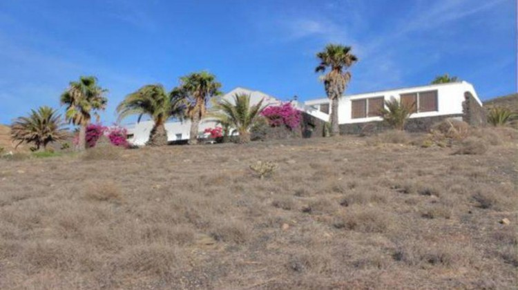 6 Bed  Villa/House for Sale, La Asomada, Fuerteventura - LA-LA756s 7
