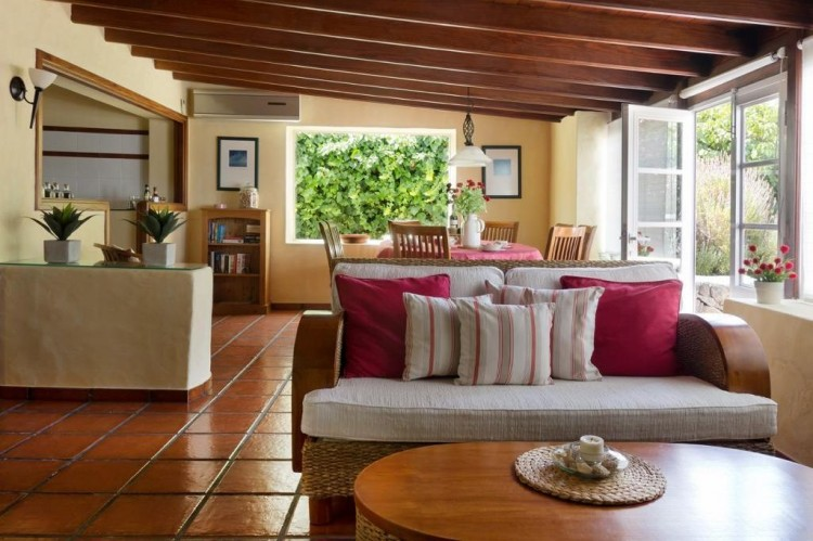 5 Bed  Country House/Finca for Sale, Teguise, Lanzarote - LA-LA447 2