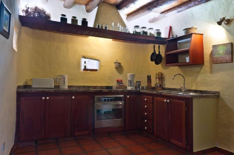 5 Bed  Country House/Finca for Sale, Teguise, Lanzarote - LA-LA447 3