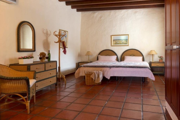 5 Bed  Country House/Finca for Sale, Teguise, Lanzarote - LA-LA447 4