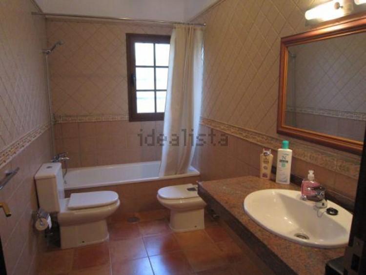 4 Bed  Villa/House for Sale, Conil, Lanzarote - LA-LA703s 7