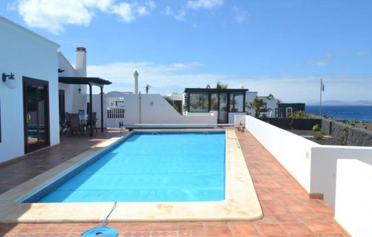 3 Bed  Villa/House for Sale, Playa Blanca, Lanzarote - LA-LA608s 1