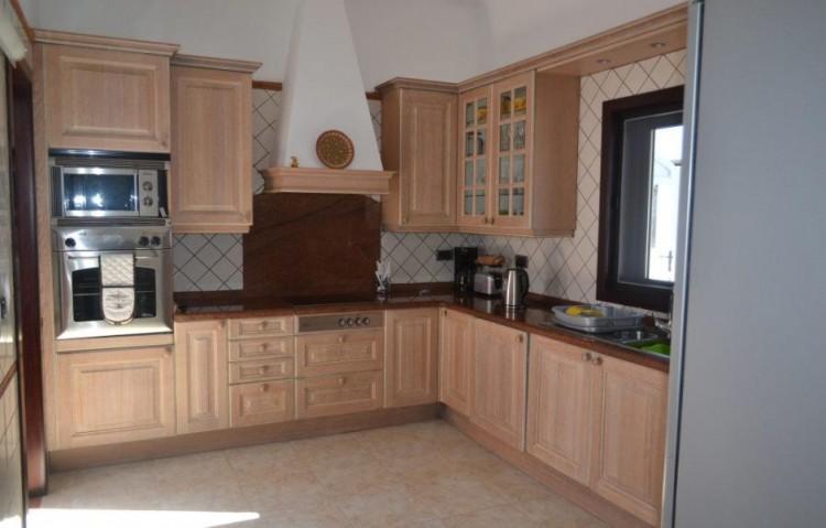 3 Bed  Villa/House for Sale, Playa Blanca, Lanzarote - LA-LA608s 5