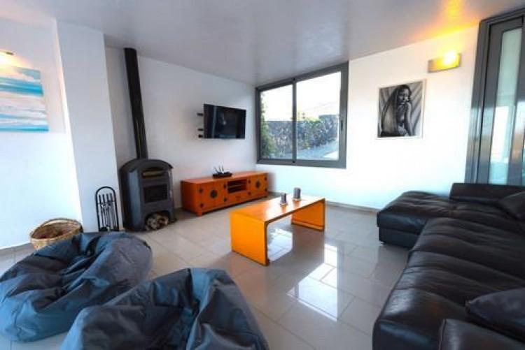 6 Bed  Villa/House for Sale, Arrieta, Lanzarote - LA-LA713 2