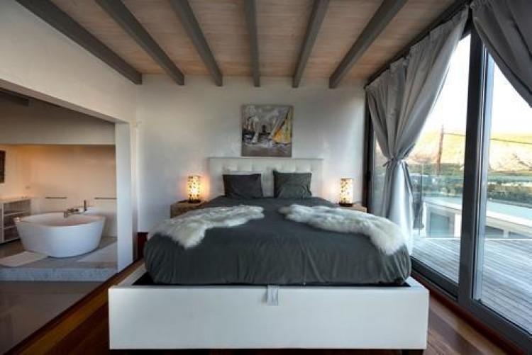 6 Bed  Villa/House for Sale, Arrieta, Lanzarote - LA-LA713 4