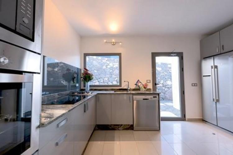 6 Bed  Villa/House for Sale, Arrieta, Lanzarote - LA-LA713 5