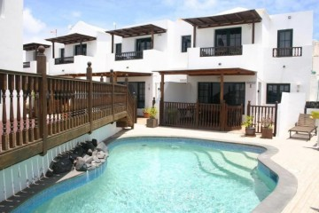 4 Bed  Commercial for Sale, Punta Mujeres, Lanzarote - LA-LA712