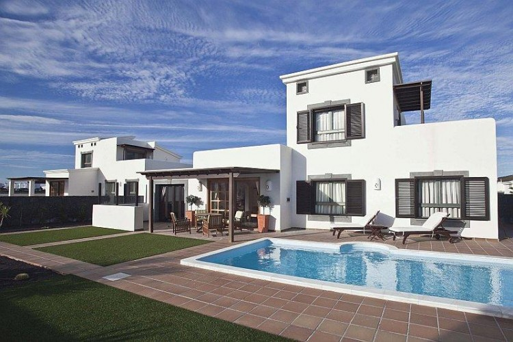 2 Bed  Villa/House for Sale, Playa Blanca, Lanzarote - LA-LA665s 2