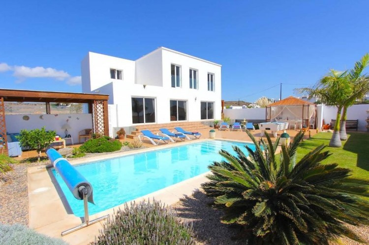 5 Bed  Villa/House for Sale, Macher, Lanzarote - LA-LA763s 1