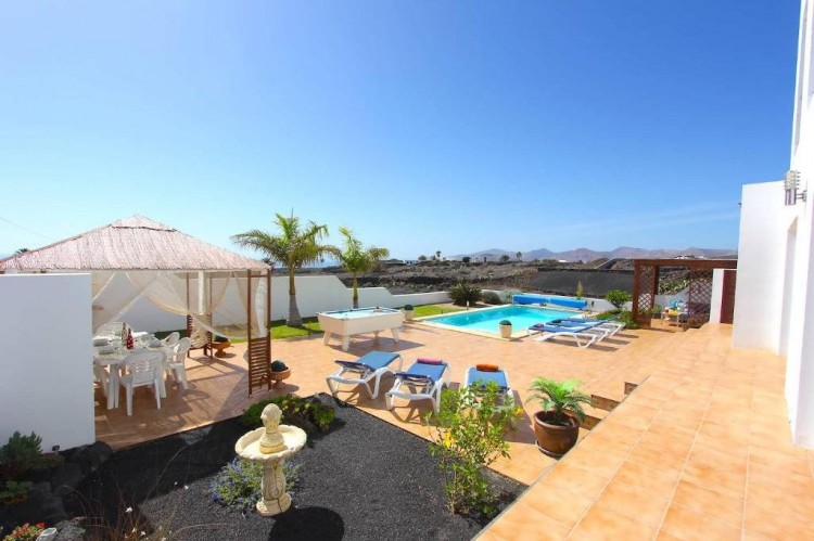 5 Bed  Villa/House for Sale, Macher, Lanzarote - LA-LA763s 2
