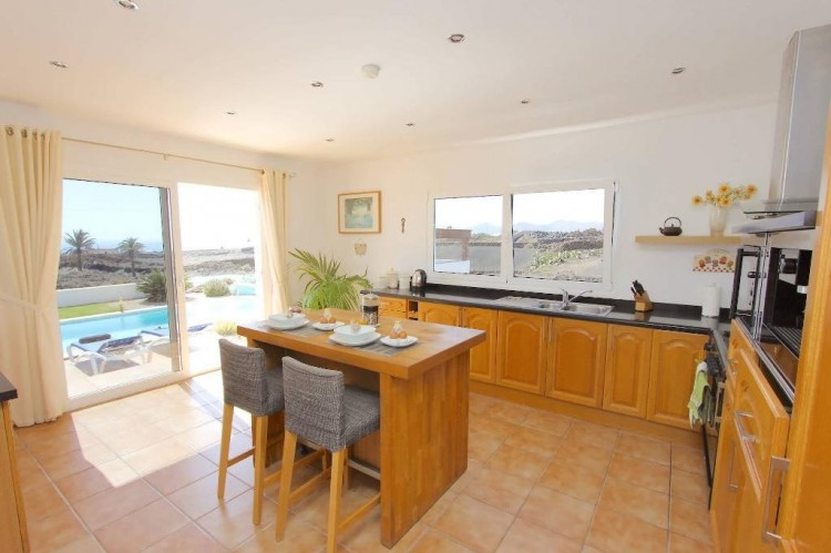 5 Bed  Villa/House for Sale, Macher, Lanzarote - LA-LA763s 5
