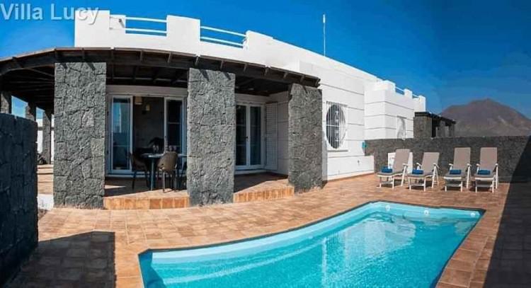 5 Bed  Villa/House for Sale, Playa Blanca, Lanzarote - LA-LA533s 1