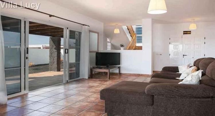 5 Bed  Villa/House for Sale, Playa Blanca, Lanzarote - LA-LA533s 2