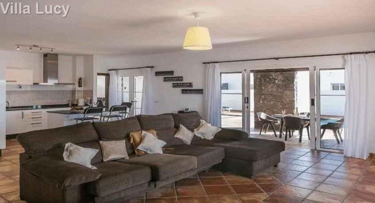 5 Bed  Villa/House for Sale, Playa Blanca, Lanzarote - LA-LA533s 3