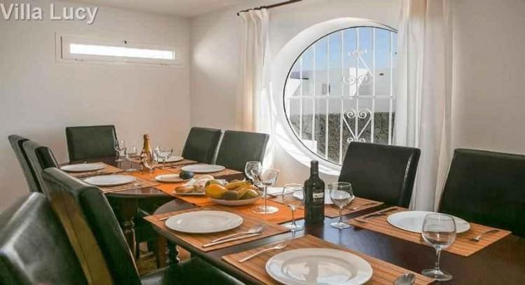 5 Bed  Villa/House for Sale, Playa Blanca, Lanzarote - LA-LA533s 4