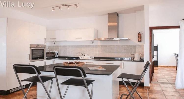 5 Bed  Villa/House for Sale, Playa Blanca, Lanzarote - LA-LA533s 6