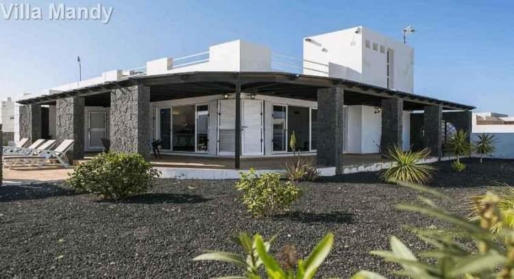 5 Bed  Villa/House for Sale, Playa Blanca, Lanzarote - LA-LA533s 7