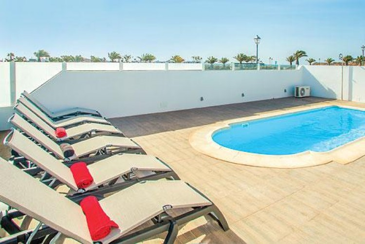5 Bed  Villa/House for Sale, Playa Blanca, Lanzarote - LA-LA733s 2