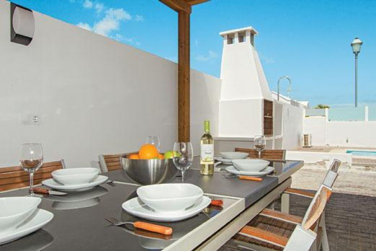 5 Bed  Villa/House for Sale, Playa Blanca, Lanzarote - LA-LA733s 5