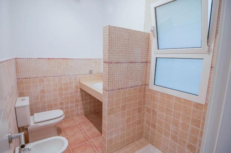 4 Bed  Villa/House for Sale, Playa Blanca, Lanzarote - LA-LA667s 12