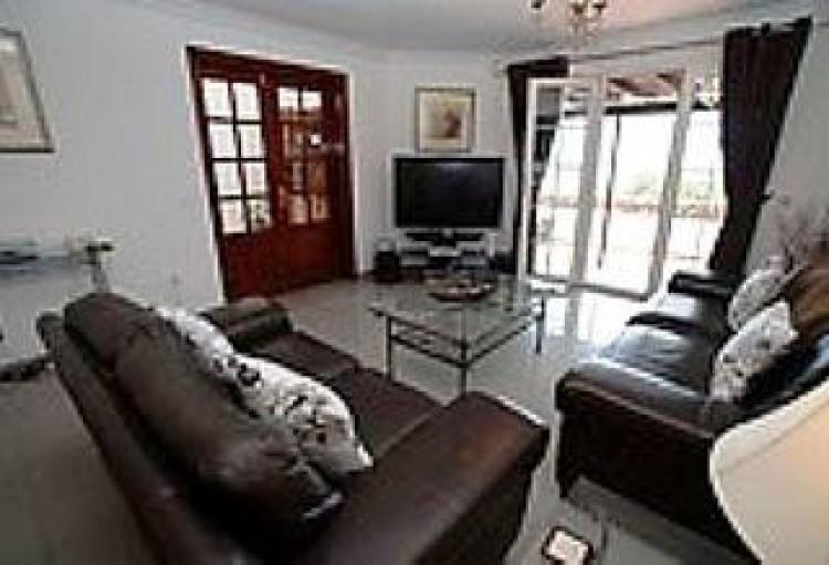 4 Bed  Villa/House for Sale, Playa Blanca, Lanzarote - LA-LA667s 3