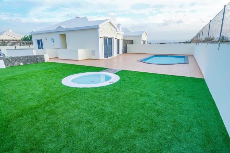 4 Bed  Villa/House for Sale, Playa Blanca, Lanzarote - LA-LA667s 7