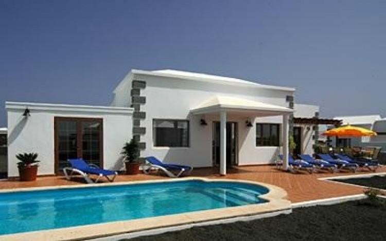 4 Bed  Villa/House for Sale, Playa Blanca, Lanzarote - LA-LA529s 1