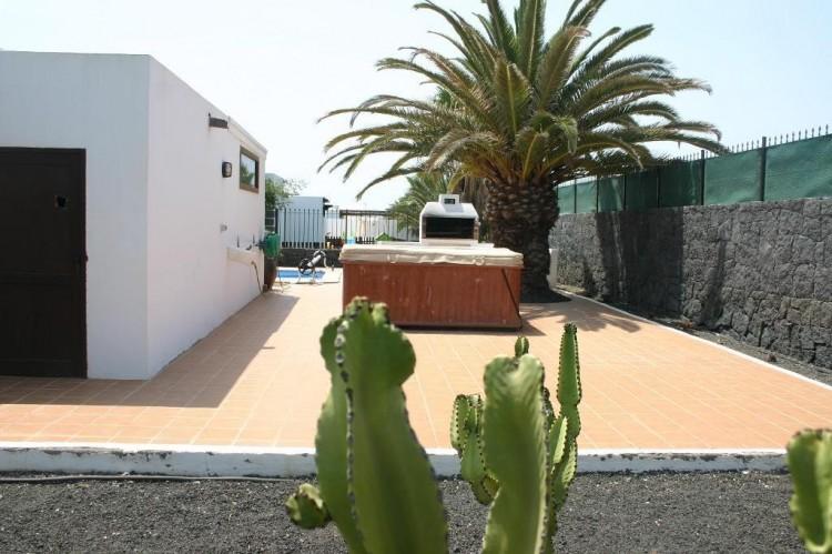 4 Bed  Villa/House for Sale, Playa Blanca, Lanzarote - LA-LA529s 9