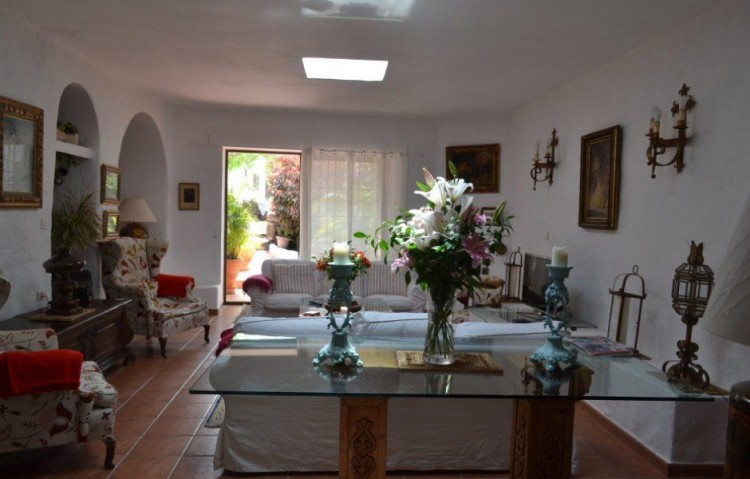 4 Bed  Country House/Finca for Sale, Masdache, Lanzarote - LA-LA586s 2
