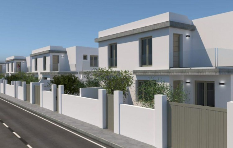 3 Bed  Villa/House for Sale, Arrecife, Lanzarote - LA-LA812s 2