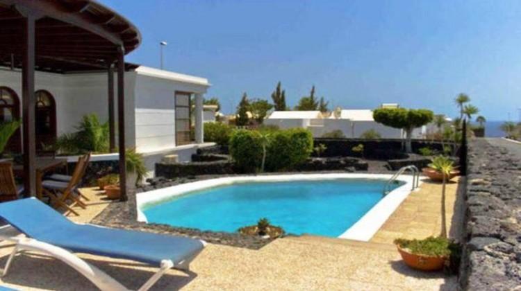 5 Bed  Villa/House for Sale, Puerto Del Carmen, Lanzarote - LA-LA690s 2